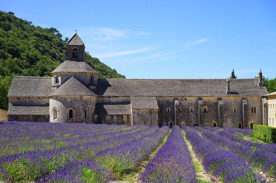 Private Luberon Villages Walking Tour From Avignon
