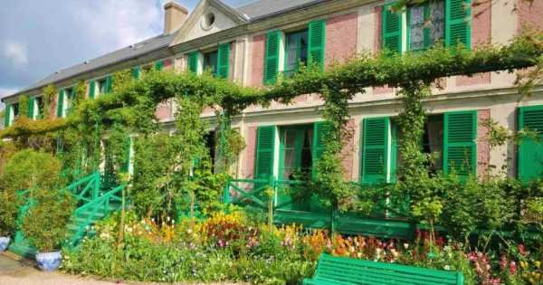 Private Tour of Giverny Monet's gardens and Auvers sur Oise from Paris With Lunch