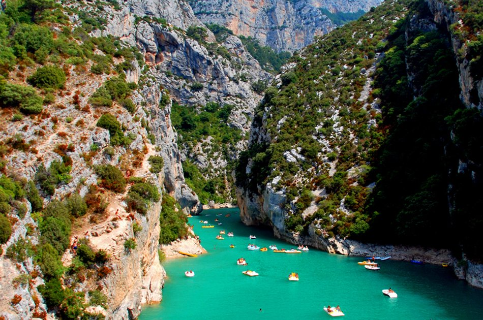 Private Tour of The Wild Provence from Avignon, Marseille and Aix-en-Provence