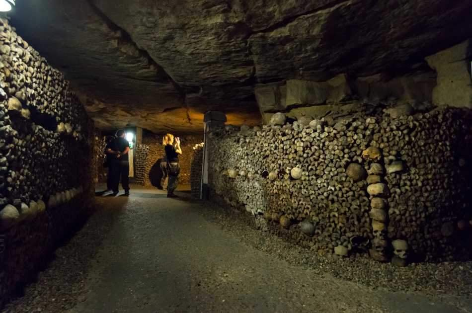 Skip the Line Guided Tour to the Paris Catacombs with off Limits Access
