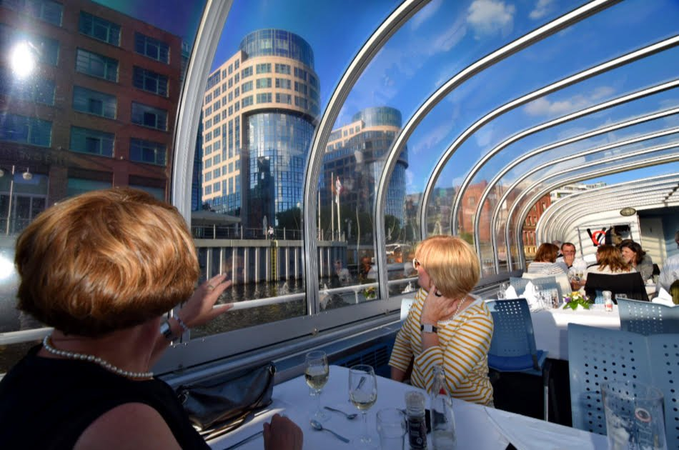 Berlin Capital Dinner Cruise