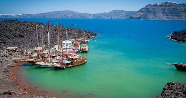 Private 5 Hour Day or Sunset Catamaran Cruise in Santorini