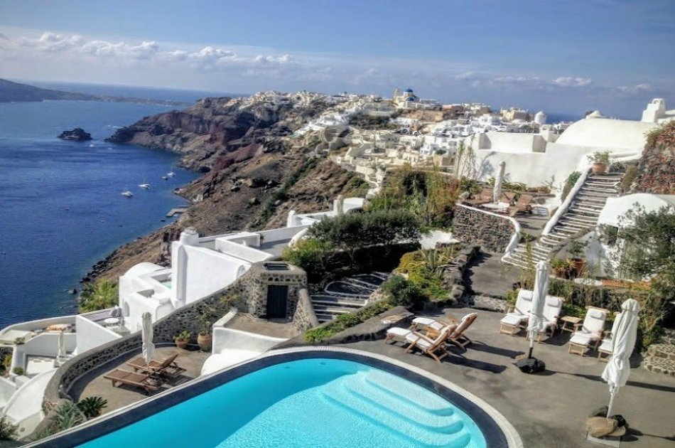 Private Guided Day Tour of Santorini
