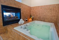 King Suite with Hot Tub   Non Smoking