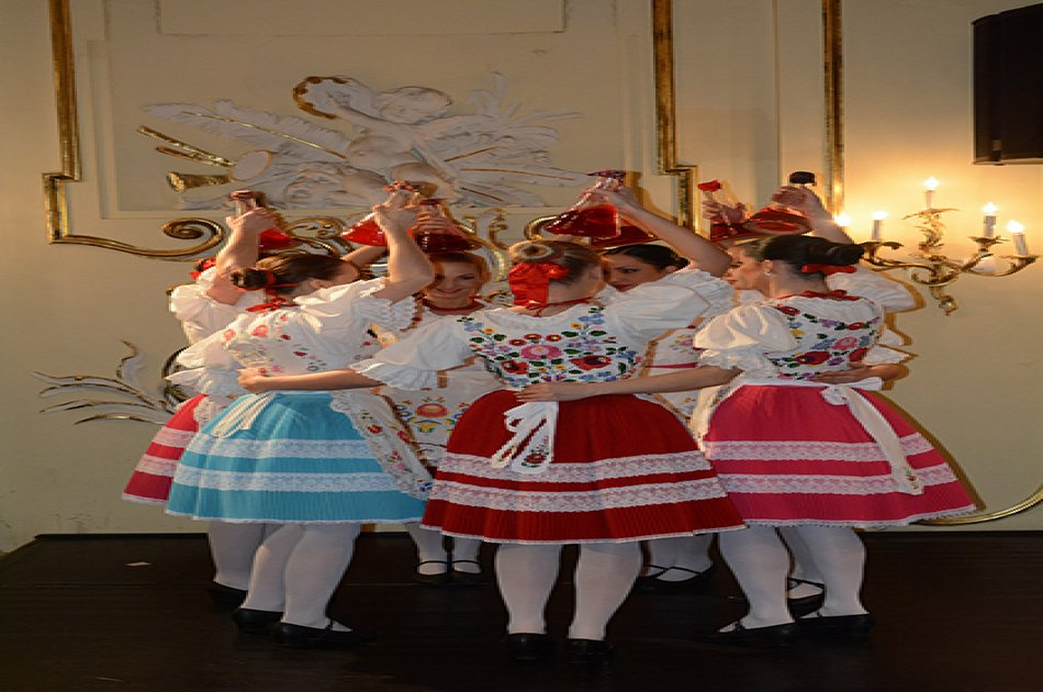 Hungarian Folklore Performance in Budapest