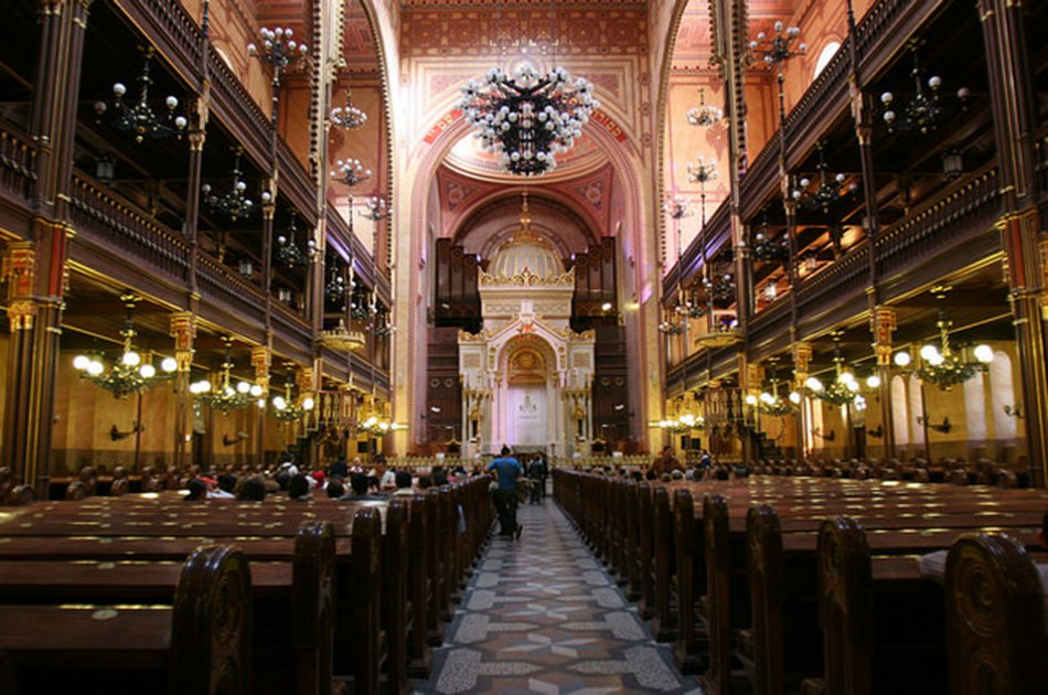 Jewish Heritage Private Synagogue Triangle Tour