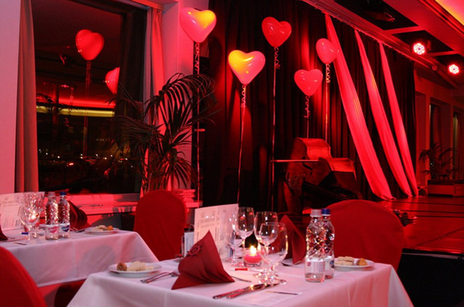 Valentines Day Romantic Cruise on the Danube Budapest