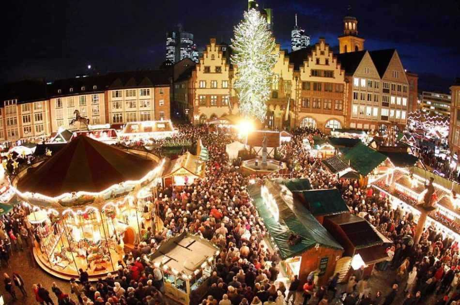 Vienna Christmas Market Visit from Budapest