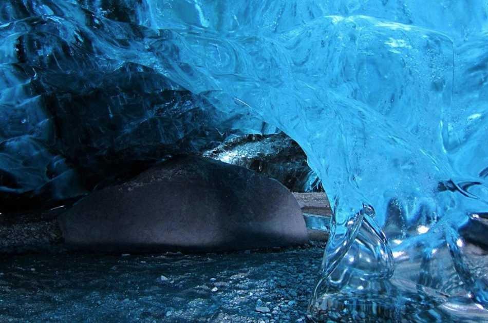 2 Day South Coast, Glacier Lagoon & Ice Cave Tour