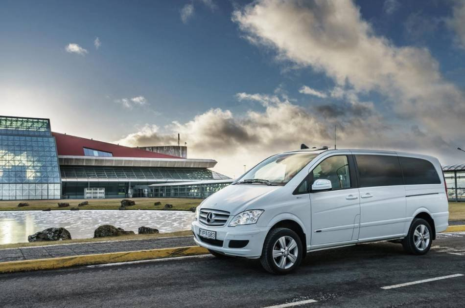 Private Transfer From Keflavik Airport to Reykjavik City