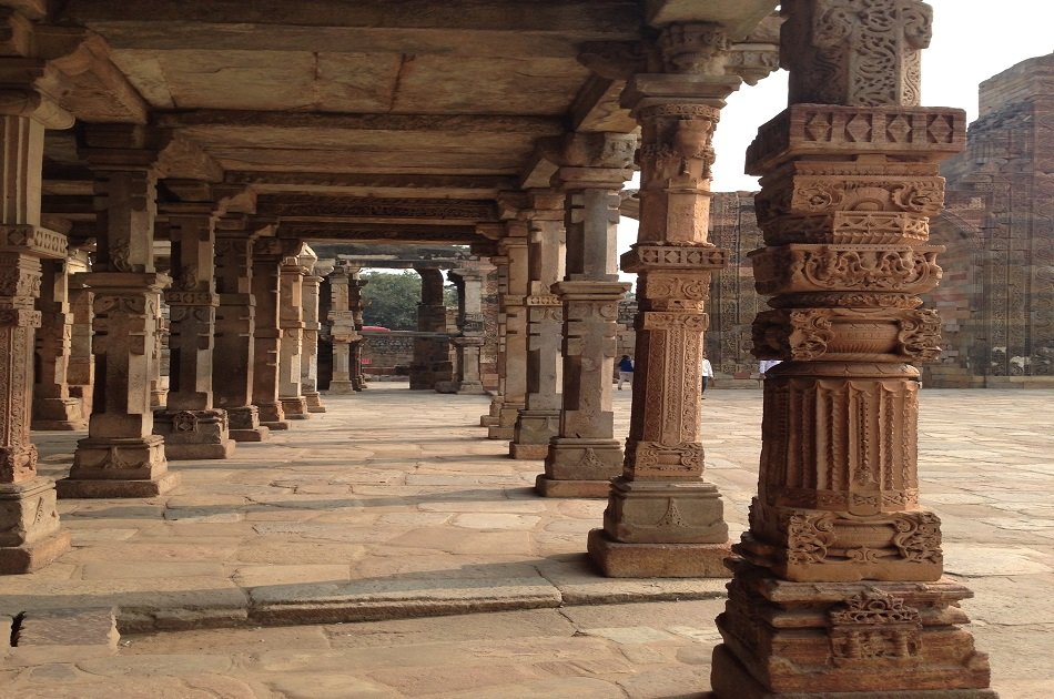 7 Hour City Tour of Old and New Delhi