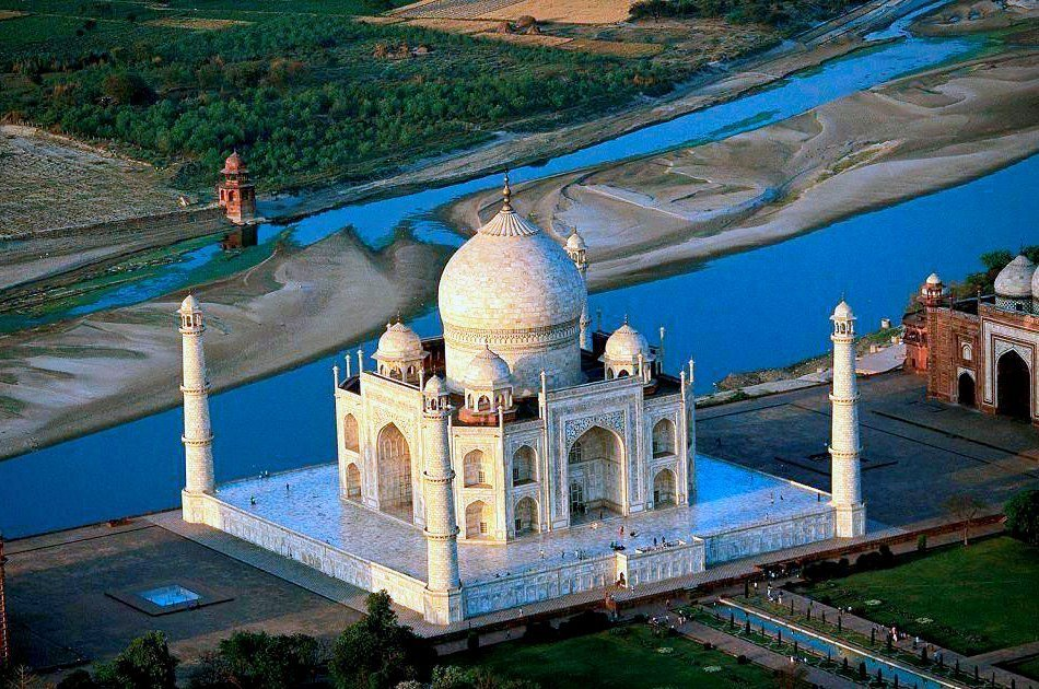 Agra and Taj Mahal Day-Trip from New Delhi with Lunch