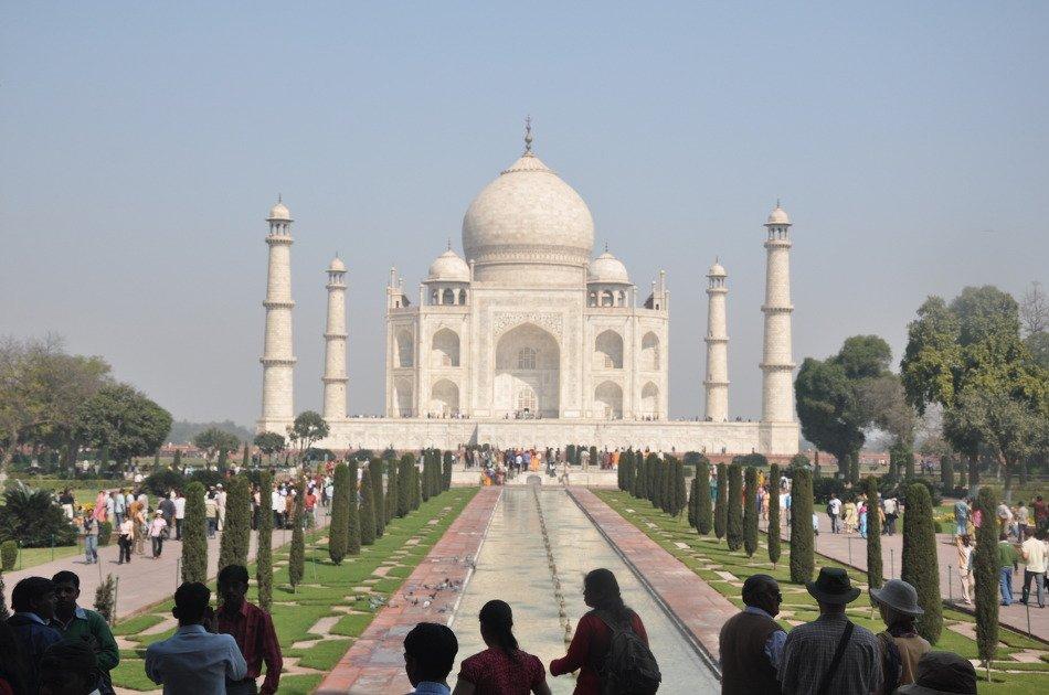 Agra Taj Mahal at Sunrise Private Day-Tour from Jaipur