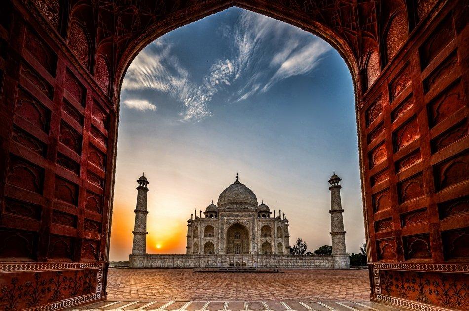 Cheap and Best Taj Mahal Sunrise Tour by Car From Delhi to Delhi