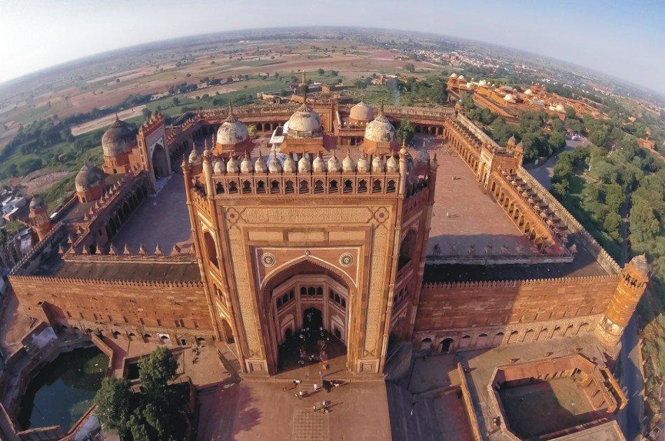 Delhi to Agra on India's Fastest Train Same Day Private Trip