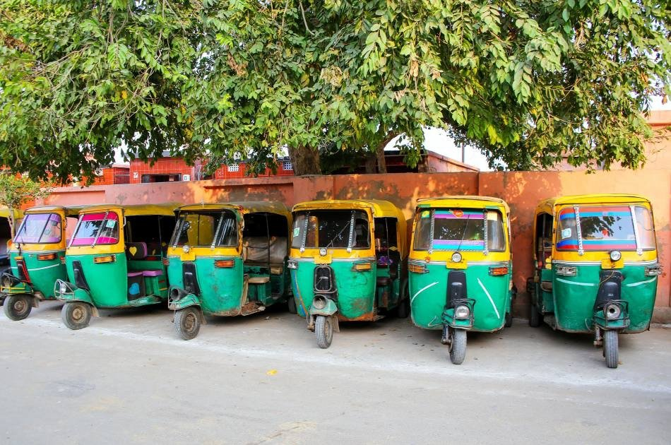 Enjoyable Tuk Tuk Ride in Agra