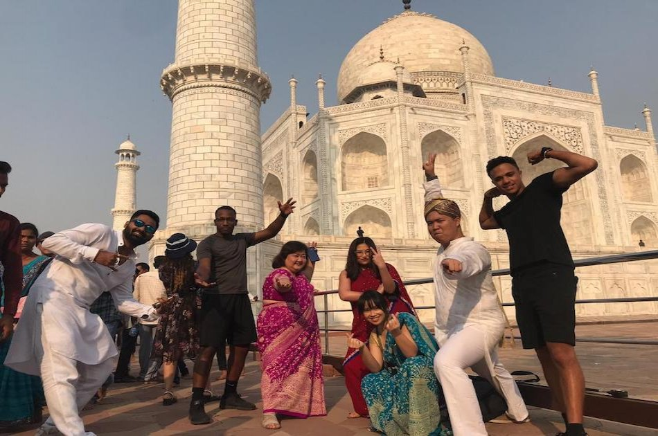 Express Train Tour of Taj Mahal From Delhi