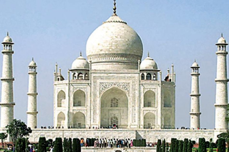 From Delhi Enjoy a Full Day Luxury Private Tour to See the Wonders of Agra