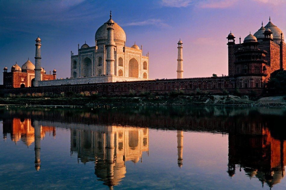 Full-Day Private City Tour of Agra visit Taj Mahal and Agra Fort