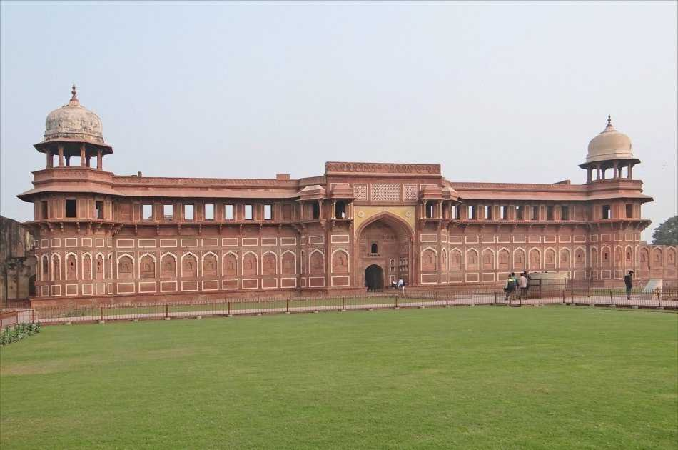 Full Day Private Tour of Taj Mahal and Agra Fort from Delhi