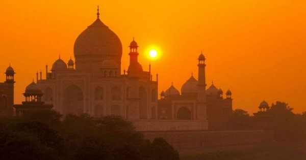 Full Day Taj Mahal Private Car Tour From Delhi