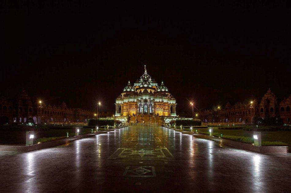 Half Day Tour of Temples in Delhi