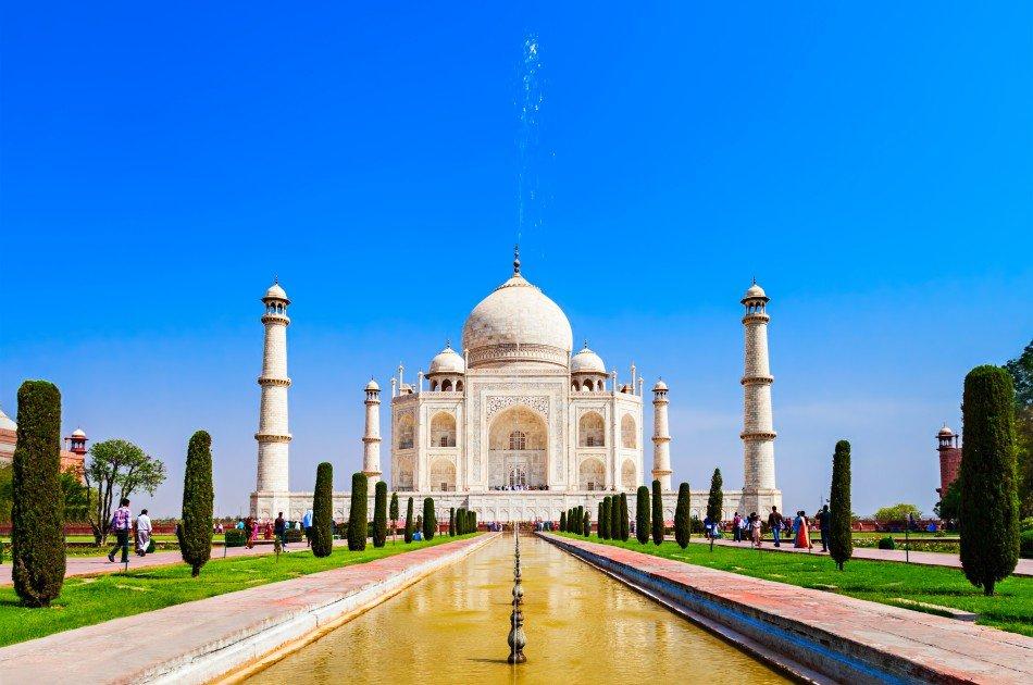 Luxury Taj Mahal Private Car Tour from Delhi