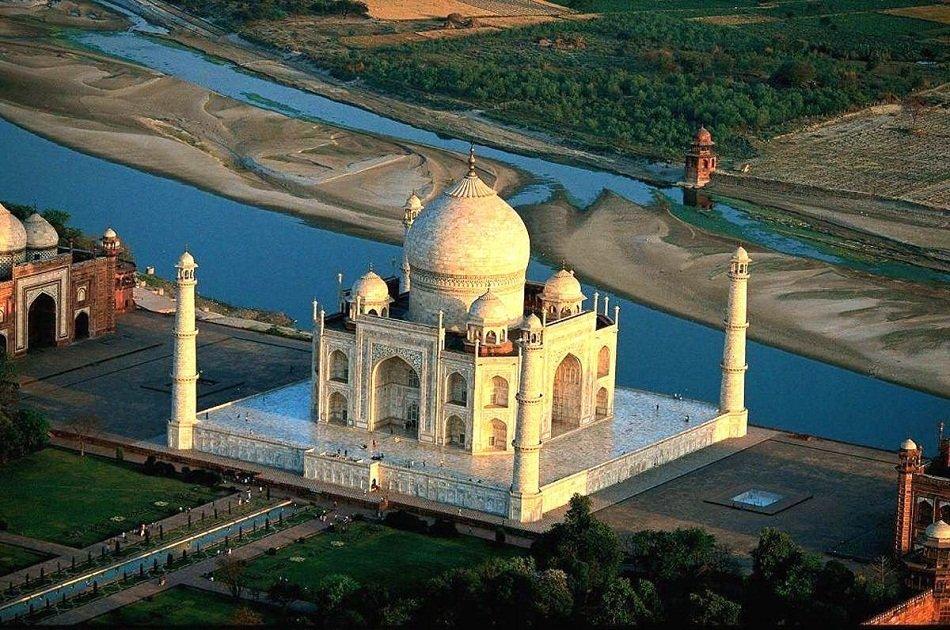 Magnificent Taj Mahal Tour With Boat Ride in River Yamuna