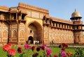 Mumbai to Agra and Taj Mahal Day-Tour with Return Flight