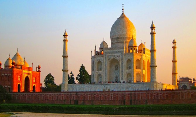 Highlights of  India ( Discover  and  Explore  India on Wheels)