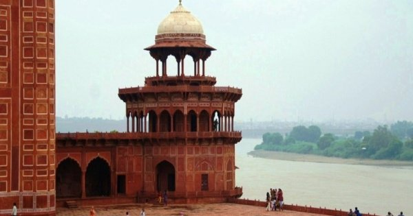 Popular Private 8-Hours Tour From Agra of Taj Mahal Sunrise & Agra