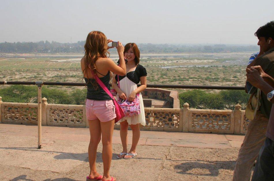 Private All Inclusive Taj Mahal Same Day Tour from Delhi By Car