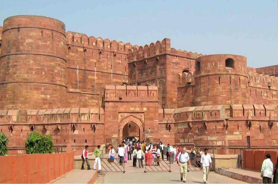 Private Day Tour of Taj Mahal & Agra From New Delhi by Private Car