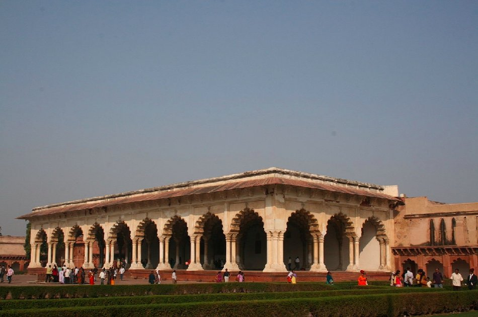 Private Day Trip to Fatehpur Sikri, Agra & Taj Mahal from Delhi