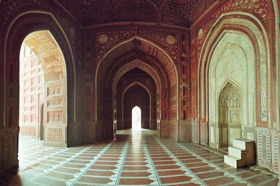 Private Full Day Taj Mahal  & Fatehpur Sikri Tour from Delhi By Car