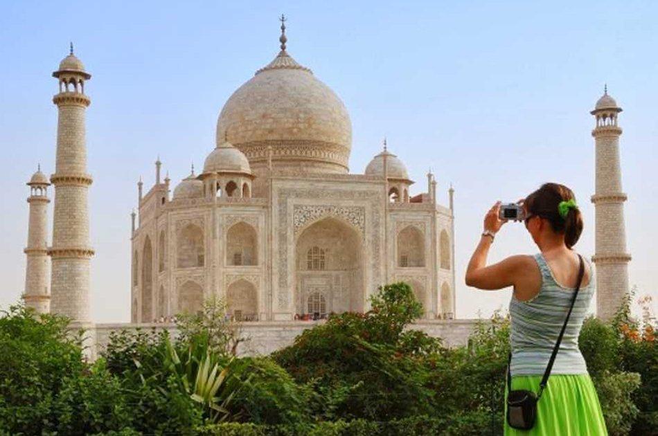Private Sunrise Taj Mahal & Agra Tour from Delhi