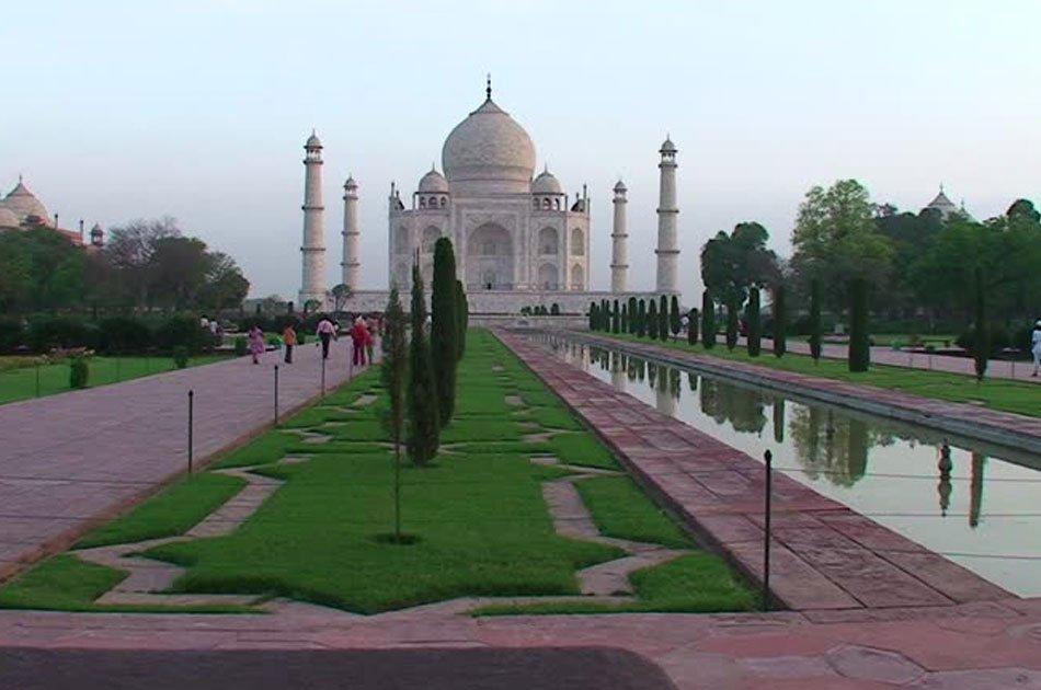 Private Tour : Sunrise Taj Mahal Tour From Delhi by Car