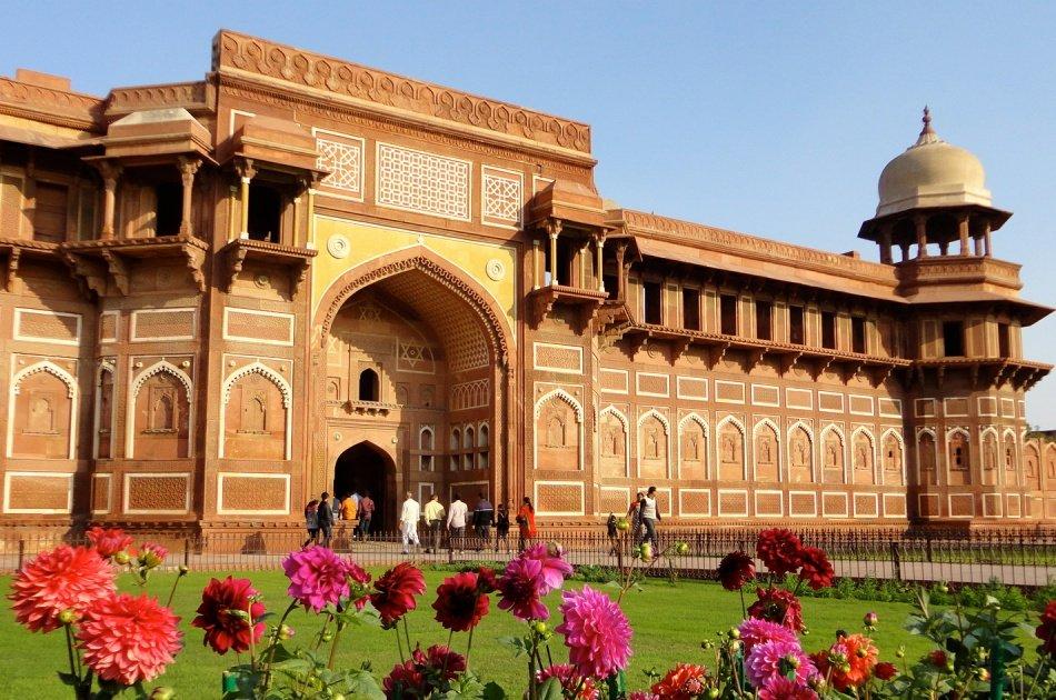 Private Tour: Taj Mahal Sunrise Tour from New Delhi