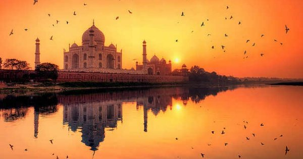 Private Tour: Taj Mahal Sunrise Tour from New Delhi