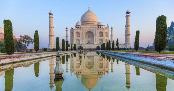 Pune to Agra and Taj Mahal Private Day-Trip with Return Flight
