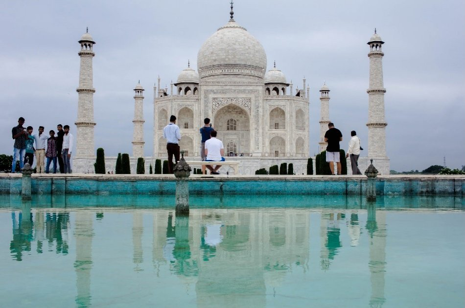 Same Day Agra Private Tour from New Delhi by private Car