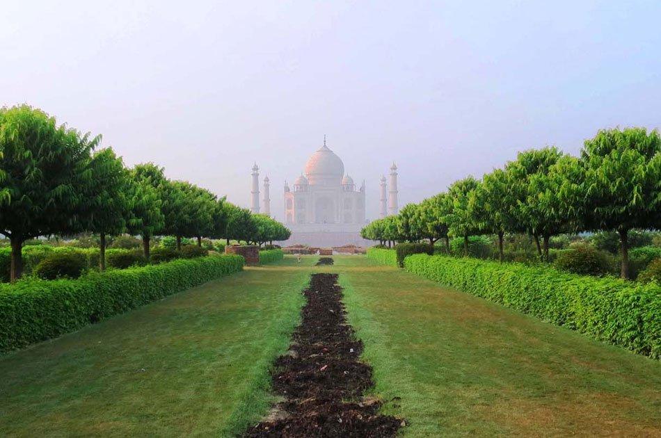 Spectacular Full Day Taj Mahal Private Tour from Delhi
