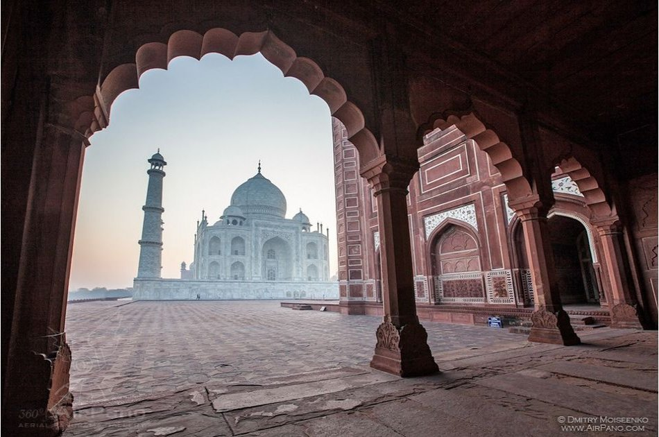 Sunrise Taj Mahal and Agra Tour From Delhi - By Car