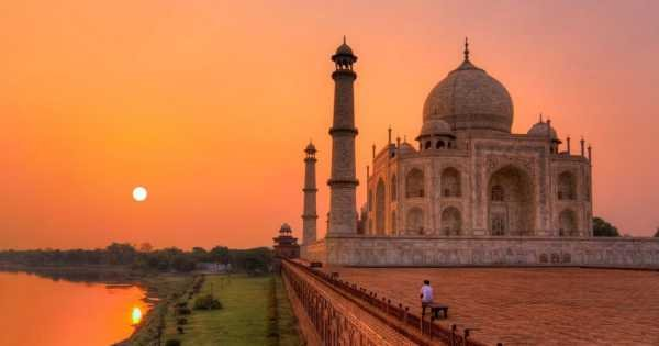 Sunrise Taj Mahal Private Tour From Delhi