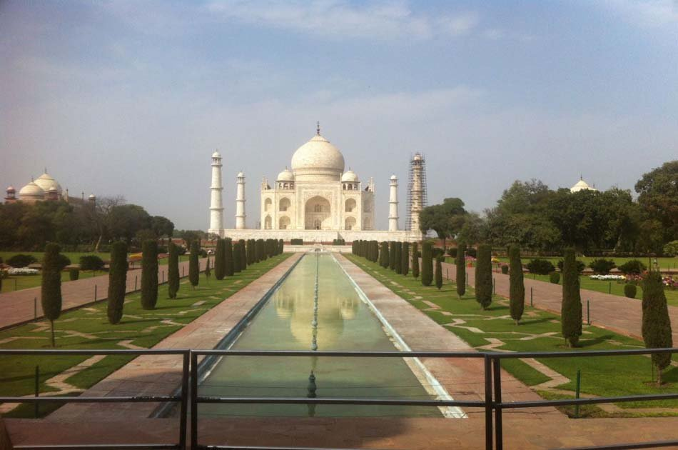 Taj Mahal Day Tour from Delhi by Super Fast Train