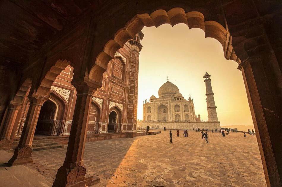 Taj Mahal Day Trip by Private Car from Delhi