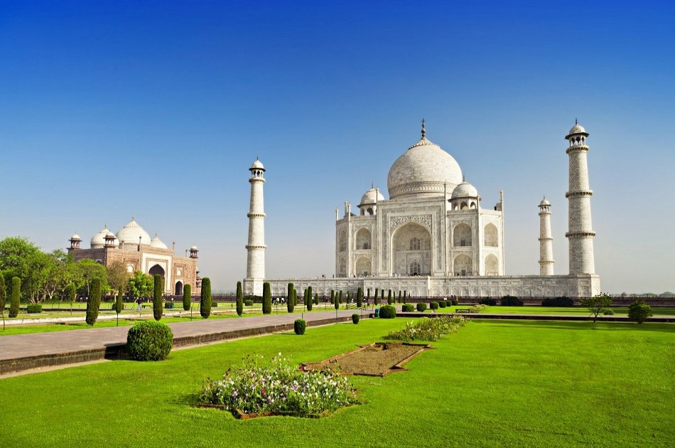 Taj Mahal Luxury Private Guided Tour from Delhi in One Day