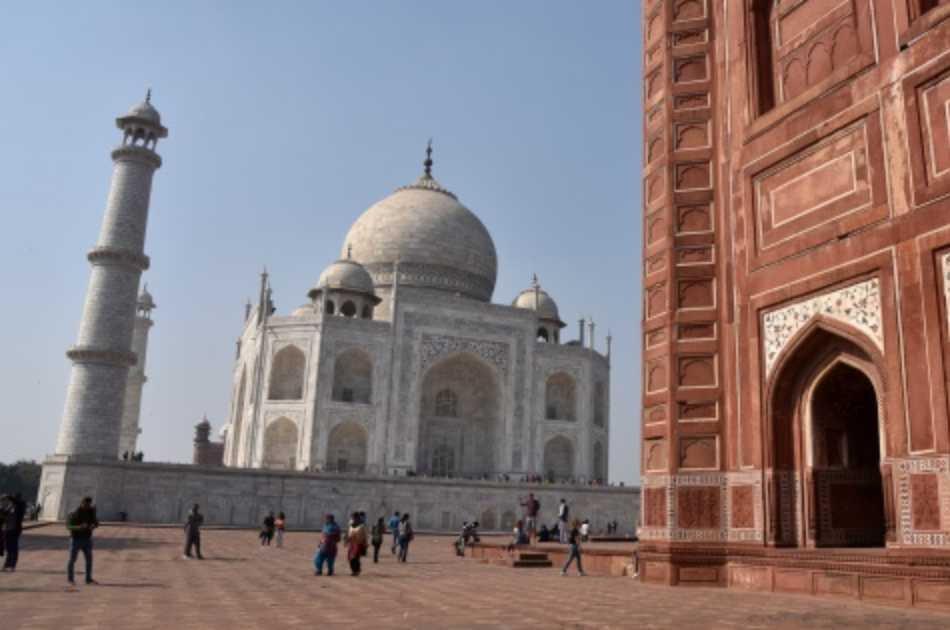 Taj Mahal Private Tour By Gatiman Express Train