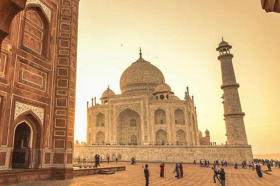 Taj Mahal Private Tour by Train - Gatimaan Express