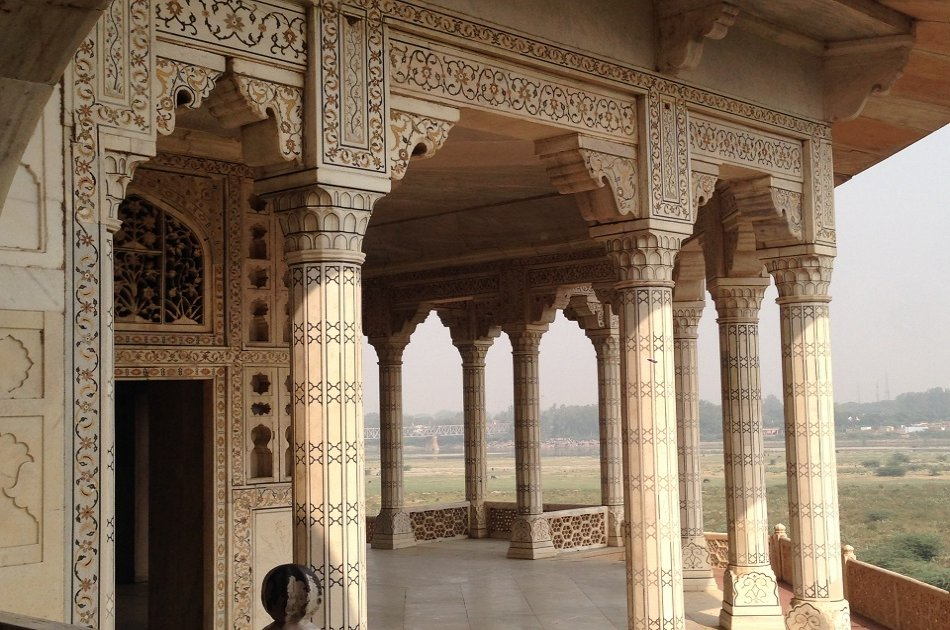 Taj Mahal Sunrise and Agra Fort Private Day Tour From New Delhi